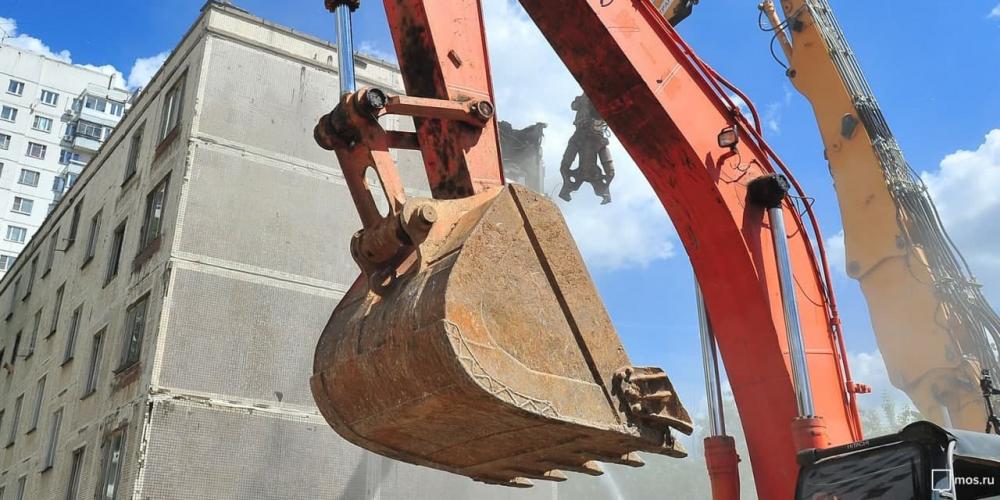В Левобережном районе добровольно демонтирована незаконная пристройка к зданию. Фото: mos.ru