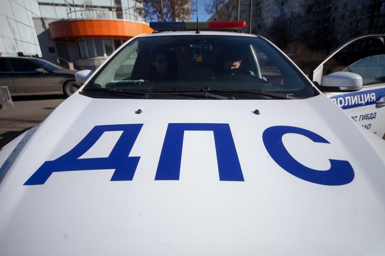 На МКАДе в районе Ленинградки произошло столкновение двух авто. Фото: АГН «Москва»